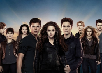 Image: 0160098334, License: Rights managed, The Twilight Saga: Breaking Dawn - Part 2 Year : 2012 USA Director : Bill Condon Taylor Lautner, Kristen Stewart, Robert Pattinson, Model Release: No or not aplicable, Credit line: Profimedia.cz, Alamy