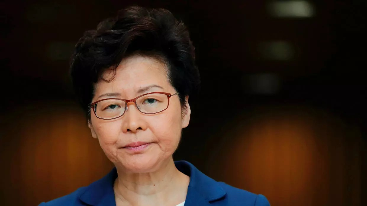 "Carrie Lam califica de ""doble cara"" a EU"